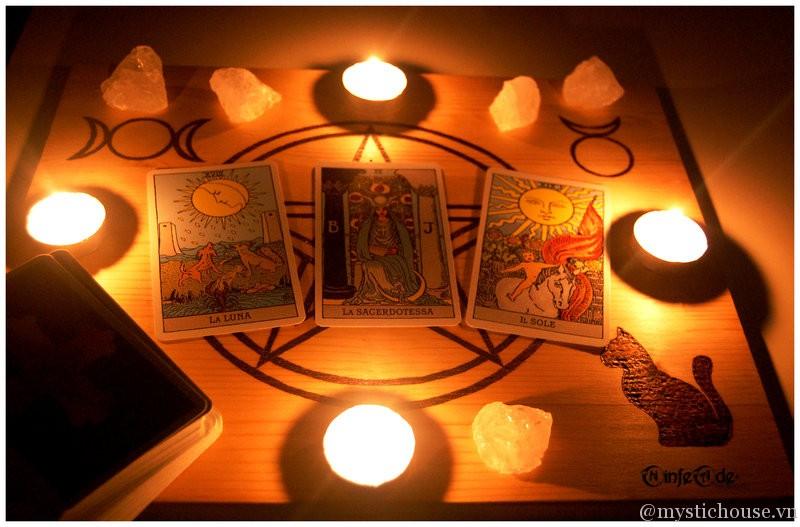 Bài Tarot - Nguồn gốc và các kiểu bài TAROT